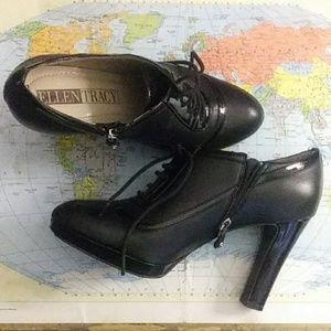 Black oxford laced Ellen Tracy heels